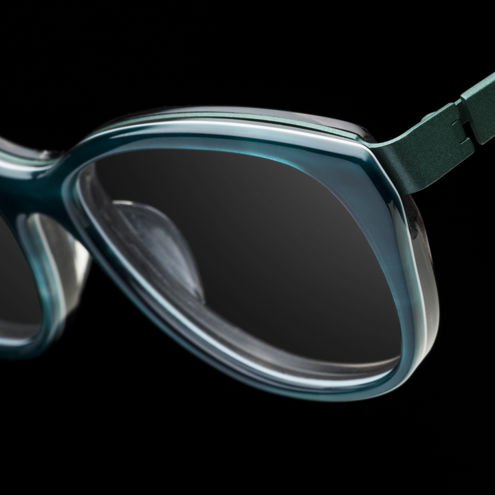 F 2004 bevel specs eyewear 7706