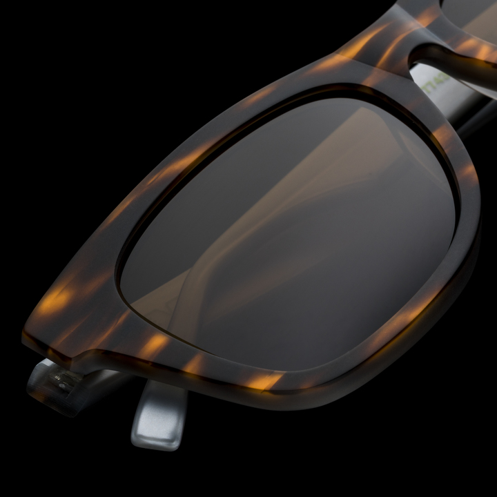 F 2004 bevel specs eyewear 8154